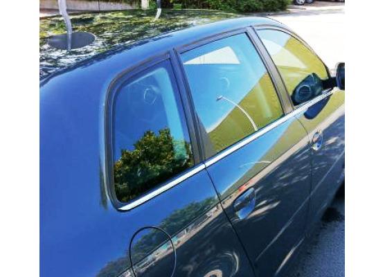 Baguette chromée de contour inférieur des vitres Audi A3 Série 1 9600Série 1 Phase 2 0003Série 2