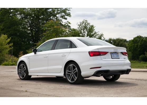 ChromZierleiste für Kofferraum Audi A3 Série 1 Phase 2 0003Série 3 Limousine 1316Série 3 Phase