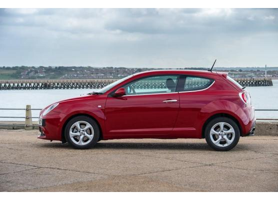 Side windows lower chrome trim Alfa Romeo Mito